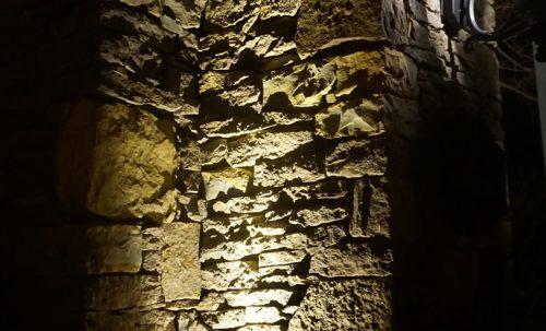 outdoor-lighting-chimney-bottom